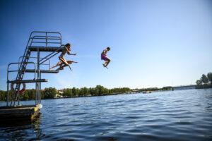 Barnaktiviteter och bad kring Storsjön