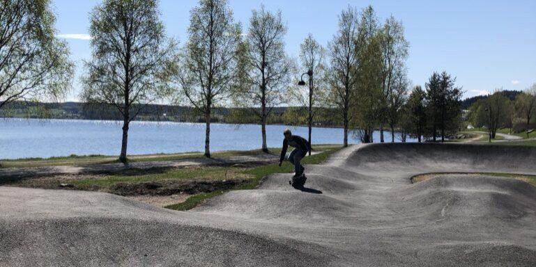 Pumptrack vid Storsjön och Surfbukten